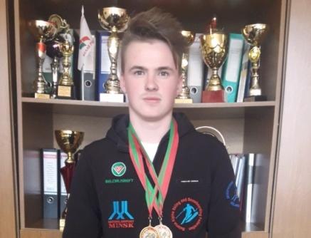 Поздравляем студента электротехнического факультета Давыдовского Максима с успешным выступлением на Открытом первенстве РБ по горнолыжному спорту